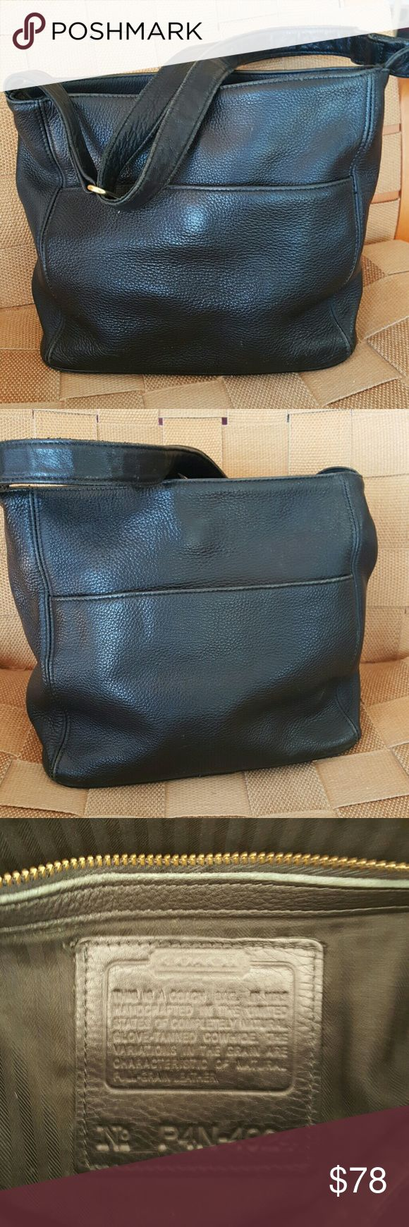 Couch vintage authentic crossbody bag Coach pebbled leather bag  made in the USA, with lots of compartments inside,  2 pockets outside. Adjustable strap   Soft leather and in wonderful condition Coach Bags Crossbody Bags