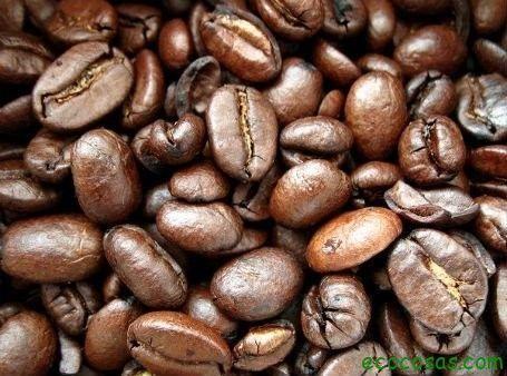 Hace tiempo veíamos algunas formas de reutilizar el té en:5 formas de reutilizar las bolsas de té, ahora es el turno del café otra bebida mas que popular y con muchos mas usos que su predeces…