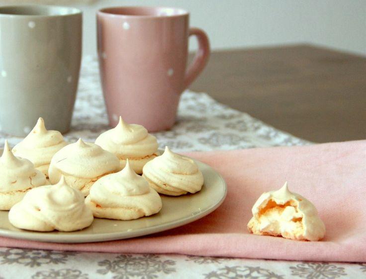 Słodycze bez cukru, bez tłuszczu, bez mąki? Tadam! #bezy #beziki #merignue #healthyfood #fit