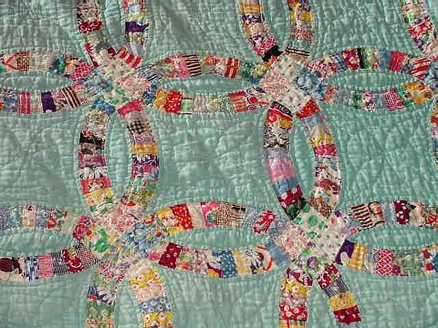 vintage double wedding ring quilt | double wedding ring quilt. gorgeous. | Antique quilts