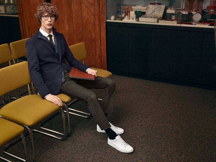 A double-layered jacket and leather sneakers add a sporty feel to BOSS tailoring