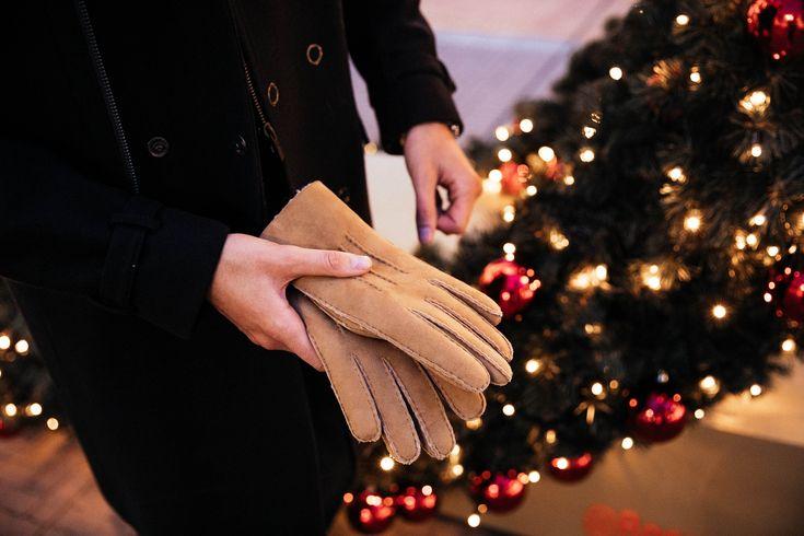 MATTGSTYLE by Matthias Geerts | Wearing TED BAKER gloves, TED BAKER gift socks, TED BAKER bow tie, LONGINES watch, BALMAIN watch, FREDERIQUE CONSTANT watch, PATRIZIA PEPE shoes, PATRIZIA PEPE handbags, KARL LAGERFELD bags in Antwerp, Belgium