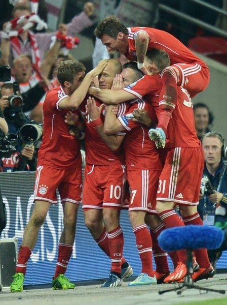 Fc Bayern München gewinnt  den Champions-League Titel 2013 mit 2:1 gegen Dortmund im Wembley-Stadion.