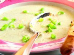 Recept voor Bloemkoolsoep van Jamie Oliver: ik ben dol op zijn kookstijl, leuk om bloemkool op een andere manier te gebruiken.