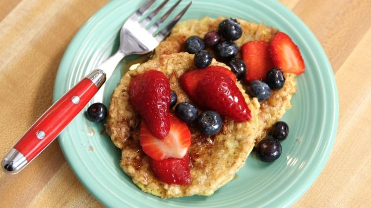 If you love making breakfast special, you are going to flip for this French Toast recipe. Clean Eating Host Arielle Haspel uses brown rice cakes instead of bread and the results are delicious.