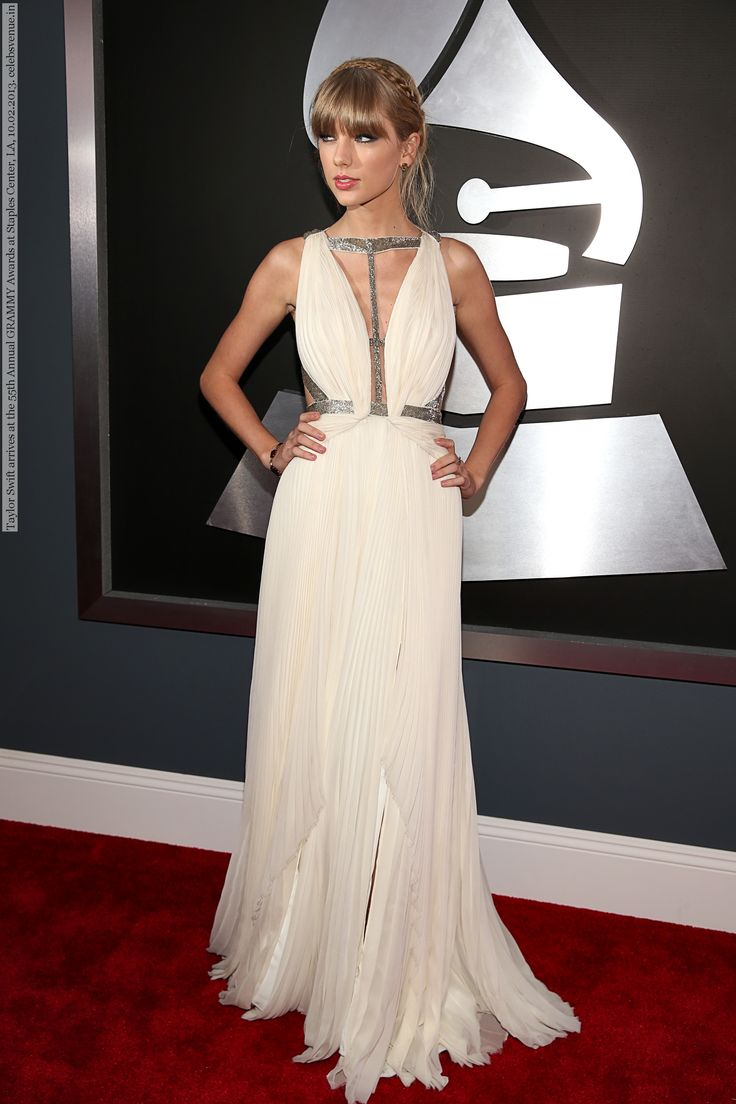 Taylor Swift arrives at the 55th Annual GRAMMY Awards at Staples Center, LA, 10.02.2013 (5 HQ pictures)