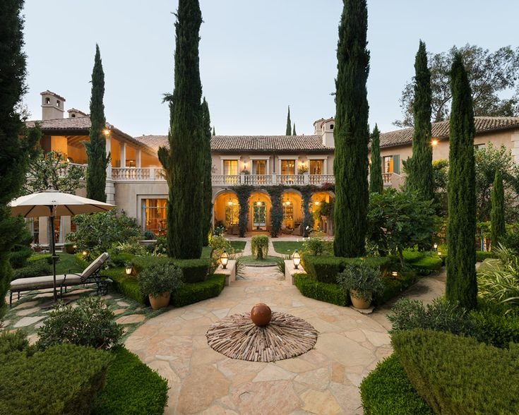 242 best homes images on pinterest for Luxury houses in beverly hills
