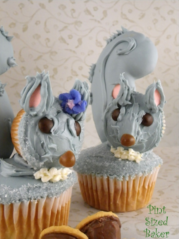 katniss 39 squirrel cupcakes cupcake squirrel and pints. Black Bedroom Furniture Sets. Home Design Ideas