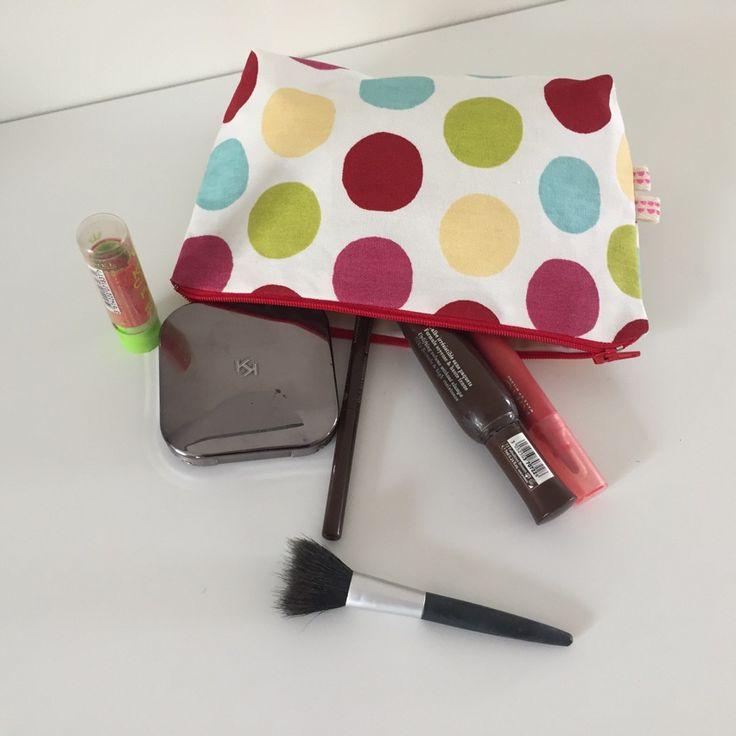 Trousse à maquillage tissu à gros pois multicolore : Trousses par bazaracaro