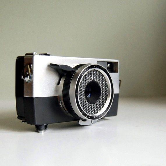 Vintage Ricoh Auto 35 Rangefinder Camera  (Context: https://www.flickr.com/photos/nesster/5080385193/)