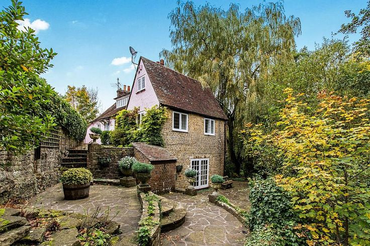 A detached character cottage boasting four bedrooms, three bathrooms, modern kitchen, living room. The property currently has planning permission to replace the conservatory with an oak framed version and a driveway for off-road parking. Outside is secluded gardens.