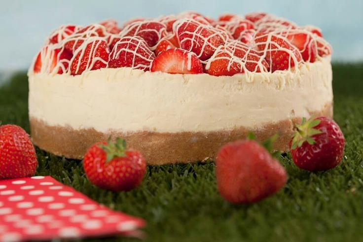 and cream cheesecake | Cheesecake | Pinterest | Strawberries And Cream ...