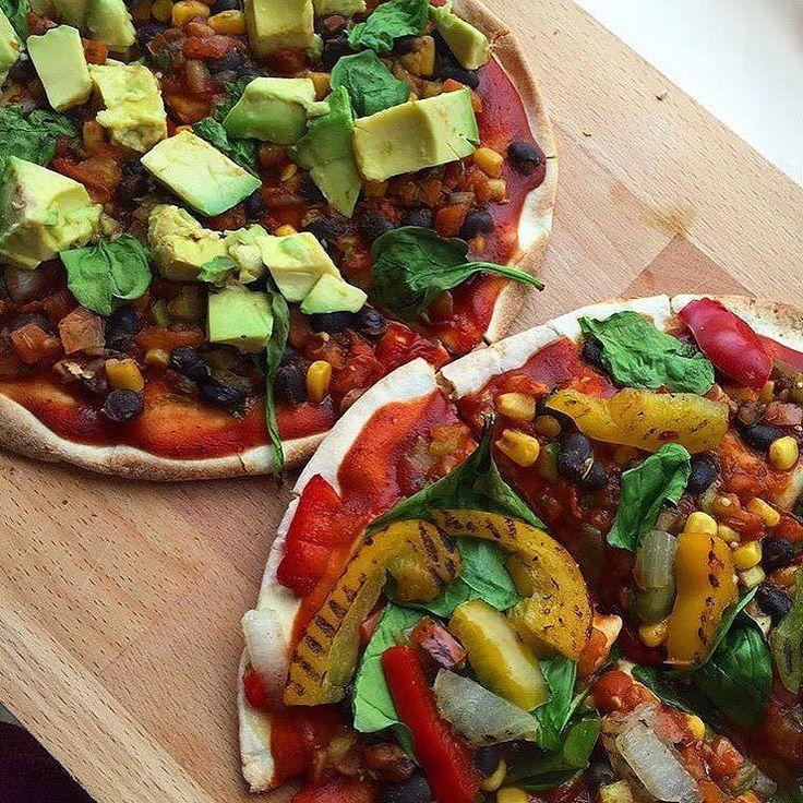 When people think that vegans only eat salad  #veganstruggles #glutenfreepizza #glutenfree #glutenfreevegan #singluten #whatveganseat #whatveganscook #justvegan #govegan #vegan #veganism #veganfood #veganfoodshare #vegansofig #vegansofspain #veganosespaña #vegangirl #carbthefuckup #carbsoncarbs #cutcarbscutlife #hclf #hclfvegan #highcarb #hervibore #plantbased by toriiivmj