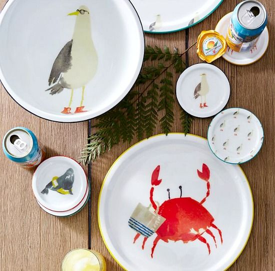 """""""Beach Buddy"""" Trays and Coasters: http://beachblissliving.com/small-beach-gifts-for-any-occasion-from-west-elm/"""