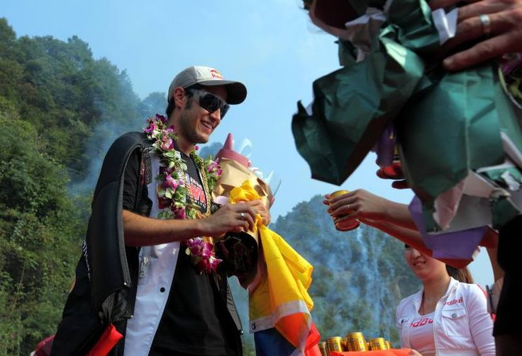 El Colombiano Jhonathan florez se coronó campeón mundial del salto en traje aéreo.