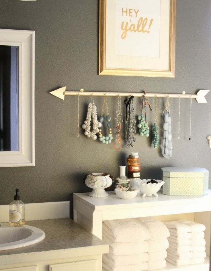 Jewlery Organization: Learn how to make your own necklace holder   DIY Arrow Jewelry Holder by @ lmmama