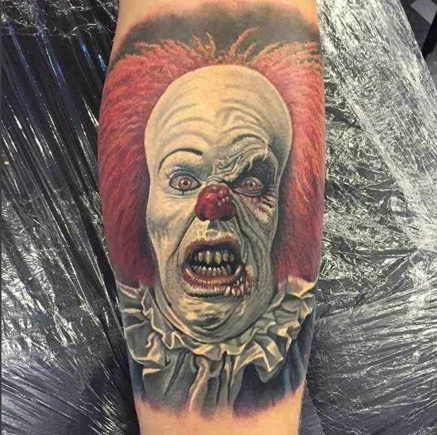 25 best ideas about clown tattoo on pinterest evil clown tattoos jester tattoo and scary. Black Bedroom Furniture Sets. Home Design Ideas