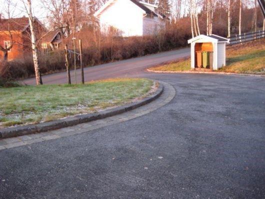 Kombinasjon av asfalt og belegningsstein? - IMG_0394.jpg - Bidda