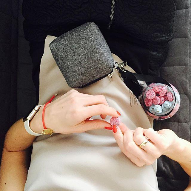 #Sobota czas na... zakupy!Obowiązki nie uciekną, a #minitorebki tylko do jutra mają cenę -10zł  / #saturday time for #shopping  #lullalove #musthave #minibag #etuinasmoczek #lullalove_style #fashion #bransoletka #jestembojestes #sweets #cukierki #fashionista #style #iwatch #portfel #wallet #motherbag #woman