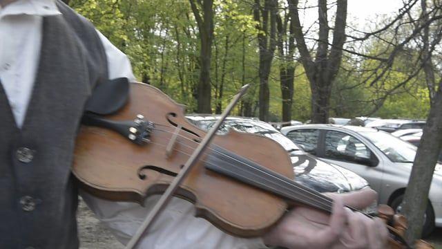 nagranie: Warszawa / 2016 ---------------------------------------------------------------- Agata Krawczyk - cymbały Aleś Łoś - skrzypce ---------------------------------------------------------------- facebook.com/muzyka.zakorzeniona/ facebook.com/festivalmazurki www.targowiskoinstrumentow.pl