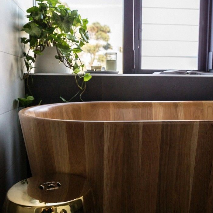The Block Glasshouse: Ensuite week timber bath