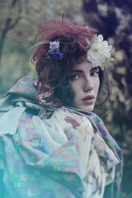❤Flowers°•. ‿✿⁀°•.in her hair❤ #boho ☮k☮ #bohemian