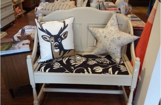 Buk & Nola 1593, avenue Laurier Est 514-357-2680 Service de décos, chaque objet est parfait http://zurbaines.com/fr/plaisirs-zurbains/decoration/boutiques-decoration-montreal/