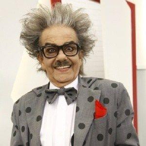 """Morre César Macedo, o Seu Eugênio da """"Escolinha do Professor Raimundo"""" #Apresentadora, #Ator, #Cirurgia, #Fotos, #Humorista, #M, #Morre, #Morreu, #Status, #Twitter http://popzone.tv/2016/05/morre-cesar-macedo-o-seu-eugenio-da-escolinha-do-professor-raimundo.html"""