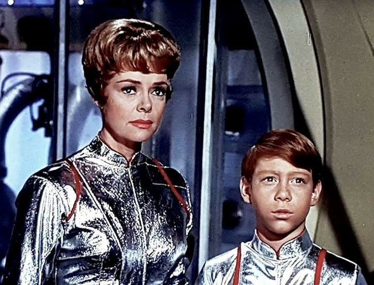 FLASHBACK FRIDAY:  I just had a nice phone chat with June Lockhart and I wanted to share the news that she's feeling fine and enjoying her retirement and sends her best to all the Lost in Space fans.  I told her all about last weekend's LIS reunion at East Coast ComiCon in New Jersey and news about the upcoming Netflix Lost in Space series and she was happy to hear about it all. She'll be 92 next month. She's an amazing Rock n Roll Lady. Bill Mumy 5/5/2017