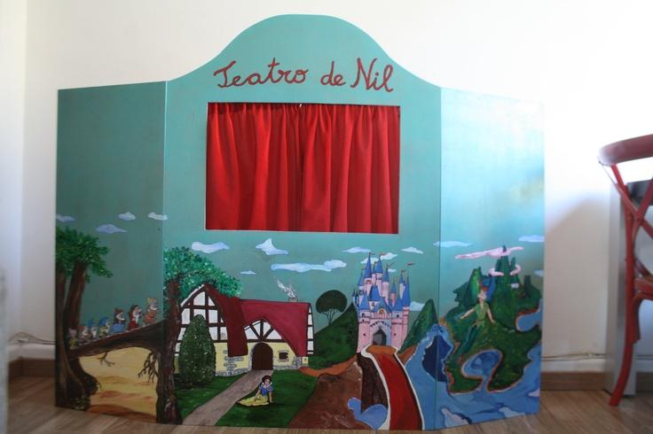 teatro, marionetas, DIY, theatre, titellas, manualidades  http://mamasmolonas.com/el-gran-teatro-de-nil/