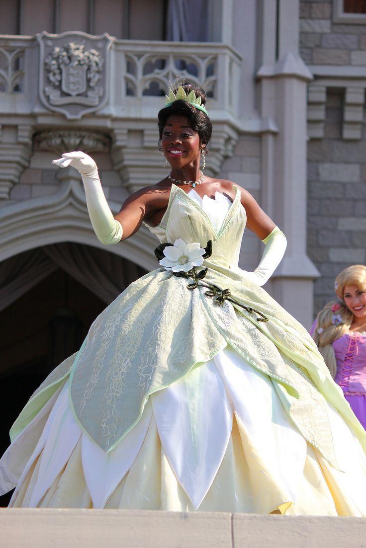 "Merida from ""Brave"" becomes 11th Disney Princess at Walt D… | Flickr"