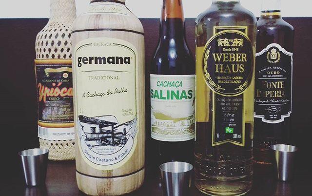 Hoje não tem vinho. Meio quente vamos de cachaça, a aguardante simbolo do Brasil. Ouvindo Abgail e tomando pinga... Hoje os vizinhos vibram.. #PINGA #cachaça #germania #salinas #weberhaus #ypioca #ONCINHA #cachacamineira #cachaçagaucha #valedascachaças #tropicamaisnaocai #montereylocals #salinaslocals- posted by Marcos Cesar https://www.instagram.com/bullino.inc - See more of Salinas, CA at http://salinaslocals.com