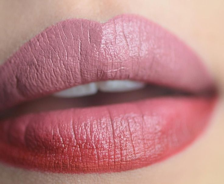 ombre lips with Butter London Satin Matte Lipsticks in Thrilled+Fired Up via @mutokki