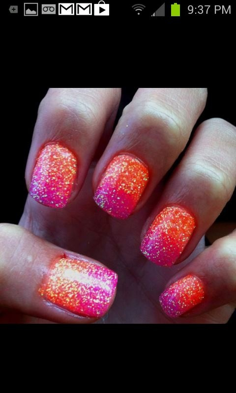 These nails are perfect for summer: reminds me of a sunset! <3