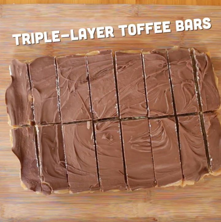 Triple-Layer Toffee Bars. Your new favorite, easy dessert.   SHARE IT! ❤, Cooking Panda