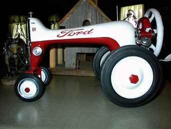 Used Farm Tractors for Sale: Sewing Machine Tractor (2009-06-21) - TractorShed.com