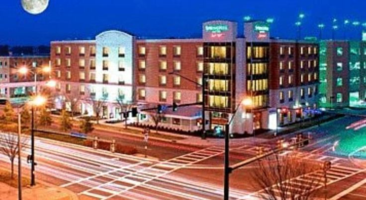 SpringHill Suites Norfolk Old Dominion University Norfolk Next to the Ted Constant Convocation Center, this all-suite Norfolk hotel is located on the campus of Old Dominion University. Each suite offers a microwave, refrigerator and free Wi-Fi.
