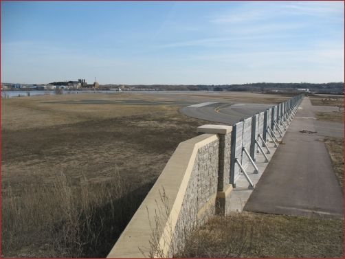 Flood Wall - St. Paul | Removable Flood Walls - Flood Control America