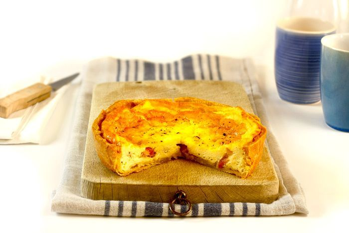 Cómo hacer quiche lorraine en Crock Pot o slow cooker. Receta paso a paso. Aprende los trucos para hacer tartas saladas en olla de cocción lenta.