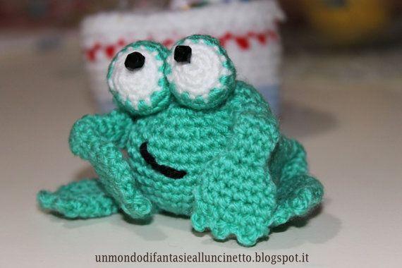 Amigurumi frog with folding legs