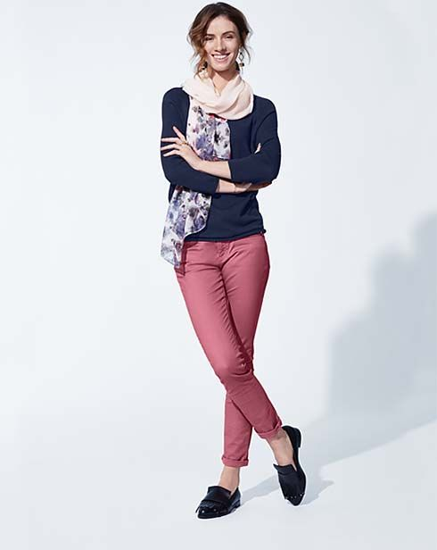 No need for warm sweaters and jackets anymore! Find your spring outfit now at Tchibo.de and stay in style this spring!