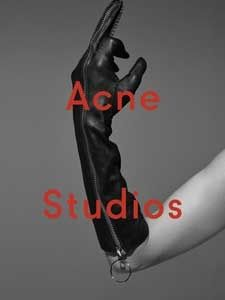 Acne Studios, un doigt d'honneur fashion ! #campagnepublicitaire #pub #AcneStudio #VivienSolari #VivianeSassen #fashion #mode   http://fashions-addict.com/Acne-Studios-un-doigt-d-honneur-fashion_408___14855.html