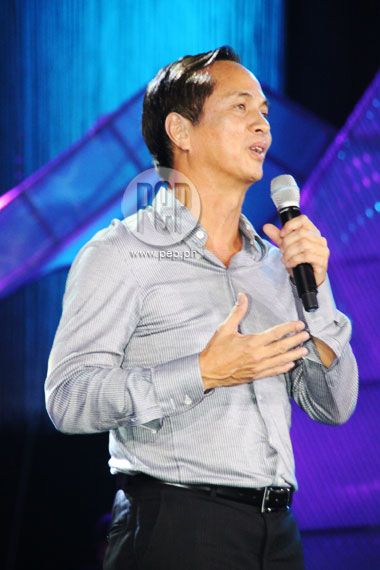 """This is Eugenio """"Gabby"""" Lopez III giving his opening message to the Kapamilya stars on the backstage and the audience watching on TV and at the Smart Araneta Coliseum at the ABS-CBN 2011 Christmas Special, """"Da Best ang Pasko ng Pilipino"""" last December 13, 2011 at Smart Araneta Coliseum. #GabbyLopez #ABSCBNChristmasSpecial #DaBestPasko #DaBestangPaskongPilipino #DaBestangPaskongPinoy"""