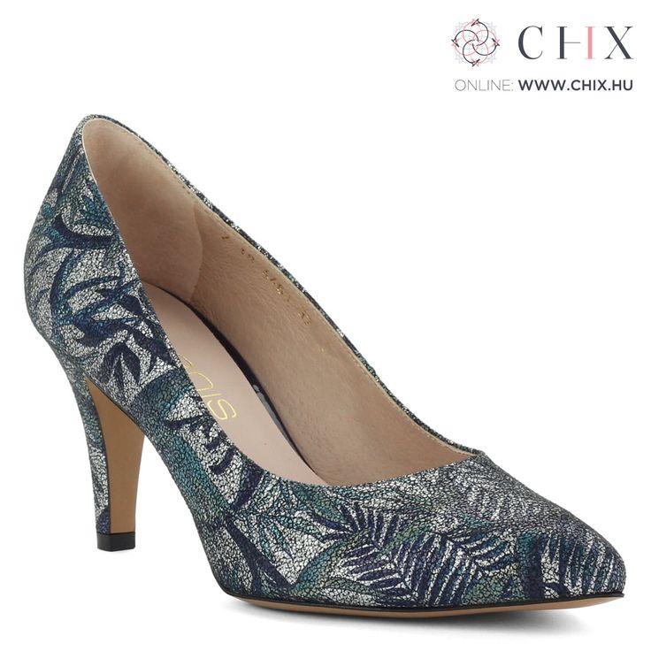 Anis bőr cipő mintás felsőrésszel 7,5 cm magas sarokkal, kívül belül bőrből készült női Anis cipő. Kék-ezüst színű extra felsőrész és szuper kényelem jellemzi a cipőt. Márka: Anis Szín: Többszínű Modellszám: 4463 PAPROTKI http://chix.hu/noi-cipok/13960-anis-bor-cipo-mintas-felsoresszel-4463-paprotki/