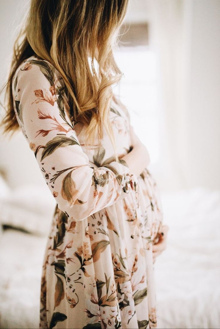 Styling Note: Light Floral, Flowy, Long sleeved dress. Perfect for a fall Maternity Session!