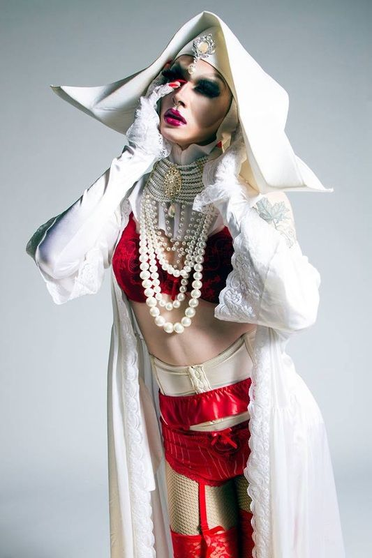 Queen of the Week: Pearl - Drag Official