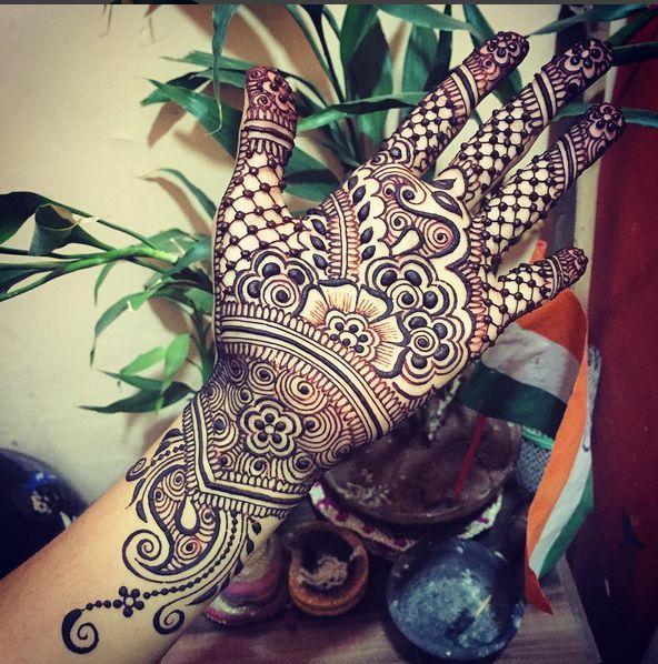 Very neat henna design