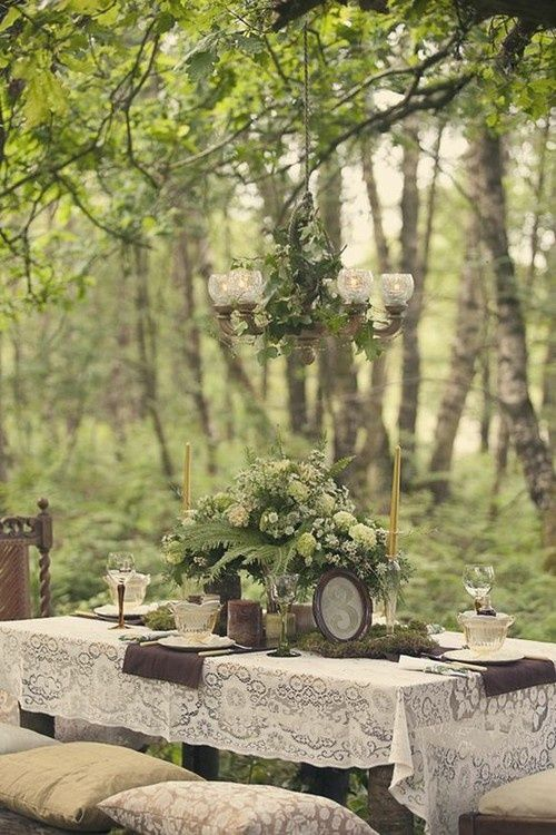 outdoor table setting...beautiful