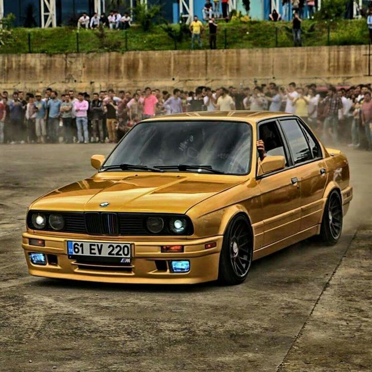 BMW E30 3 series gold