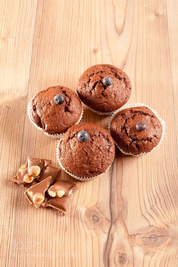Chocolate muffin with blueberries and chocolate by STphoography
